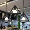 Lampadario a sospensione piramide attacco E27 pendente triangolo design moderno bianco nero geometrico in metallo